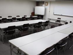 研修室 (30名程度)